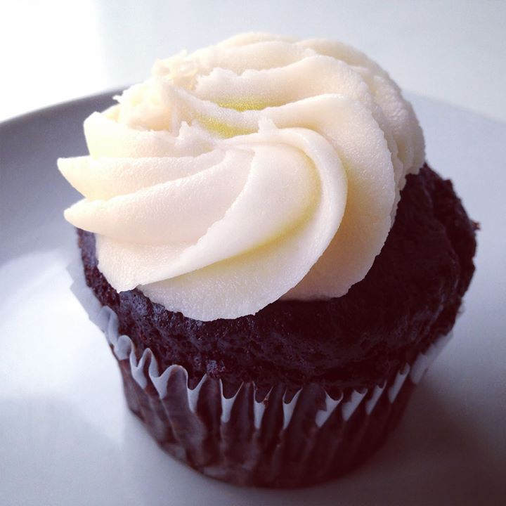 Ebony And Ivory Cupcakes